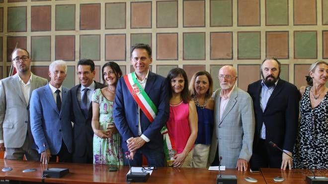 La nuova giunta del sindaco Conti (foto Valtriani)