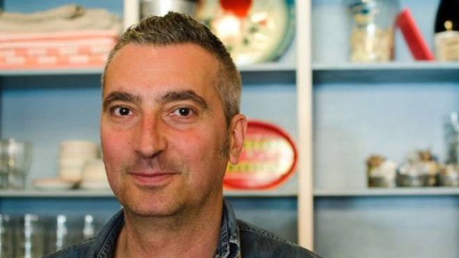 Filippo Venturi, classe '72, laureato in Giurisprudenza, è autore del romanzo 'Il tortellino muore nel brodo'