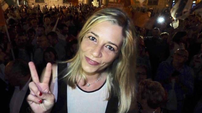 Il neo sindaco di Sarzana, Cristina Ponzanelli