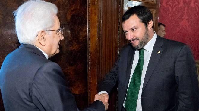 Sergio Mattarella e Matteo Salvini (Lapresse)