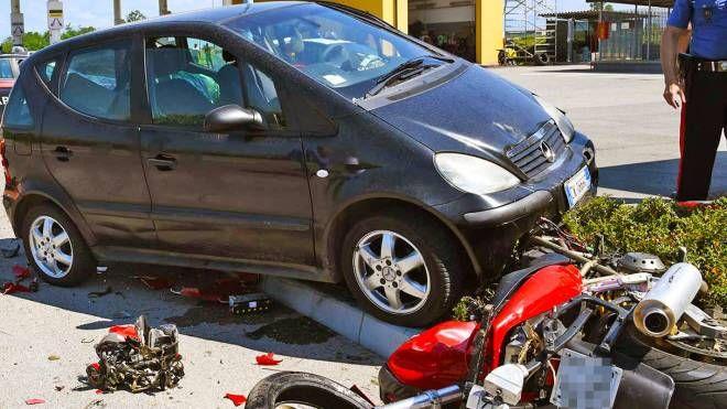 I veicoli dopo il tragico schianto