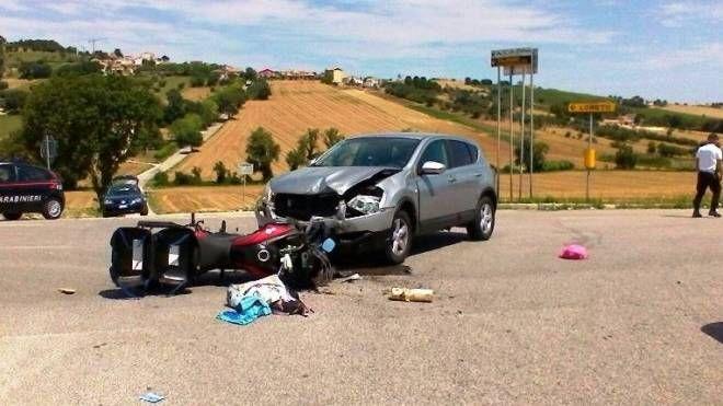 L'incidente all'incrocio tra la strada dei pali e  la strada Costabianca