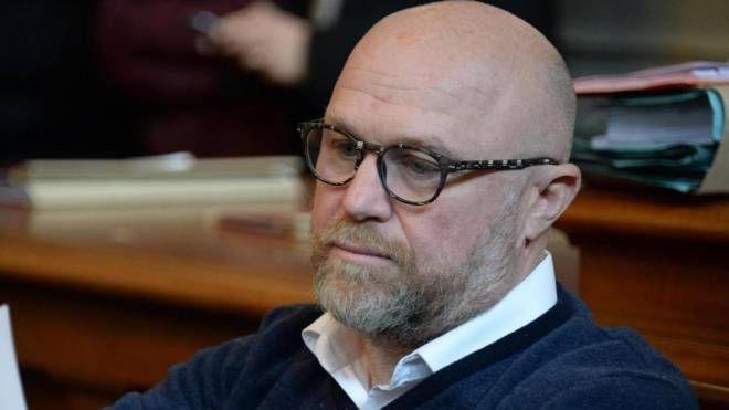 Il sindaco di Livorno, Filippo Nogarin, ha risposto ieri alle 'minacce' del dg amaranto Peiani