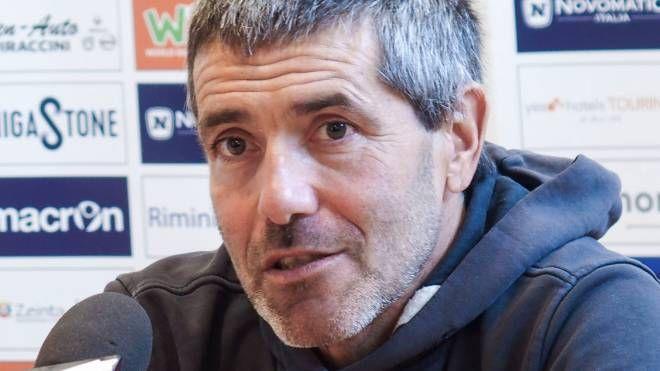Righetti, allenatore del Rimini (Petrangeli)