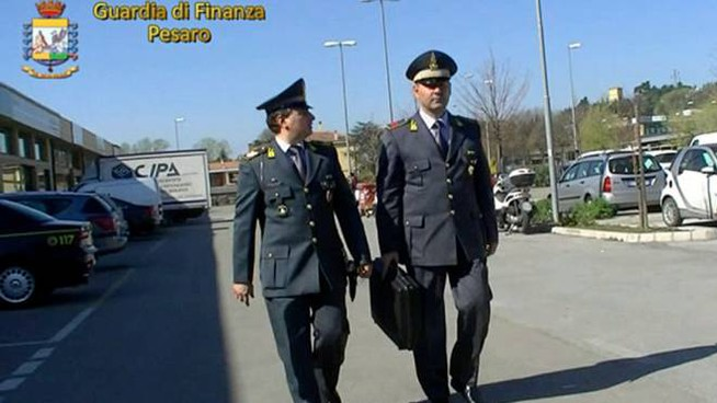 La  Finanza di Pesaro ha denunciato otto persone per truffa e falso. Truccavano i rimborsi per i servizi delle ambulanze