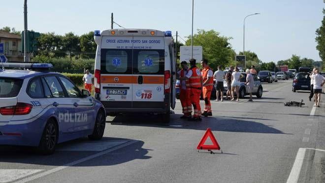 L'incidente sull'Adriatica (Foto Zeppilli)