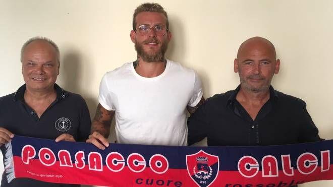 Francesco Colombini con il direttore sportivo Andrea Luperini e l'amministratore delegato Walter Buonfiglio