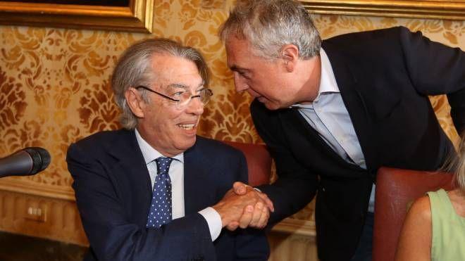 A sinistra l'ex presidente dell'Inter Massimo Moratti e l'archistar Stefano Boeri; sopra, immagine dell'evento