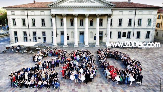 Il Teatro Sociale nel giorno della festa dei suoi 200 anni