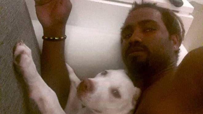 Tavares con il suo cane