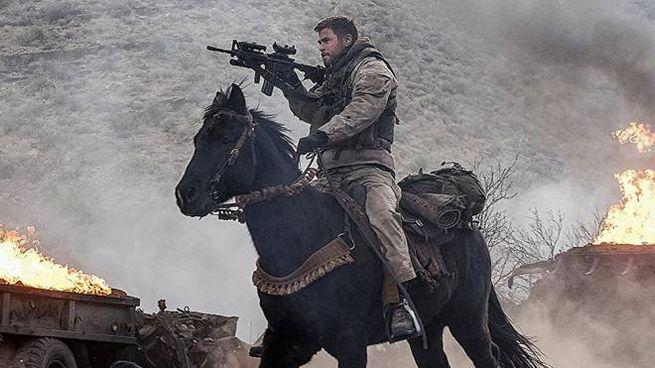 Una scena di '12 Soldiers' – Foto: David James/Warner Bros.