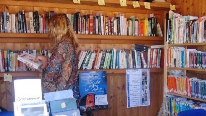 Grottammare, torna la biblioteca in spiaggia