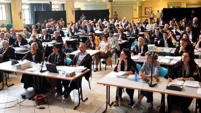 Pubblici ministeri, azzerati e avvocati nell'aula al centro il Quadrifoglio di Pontelagoscuro