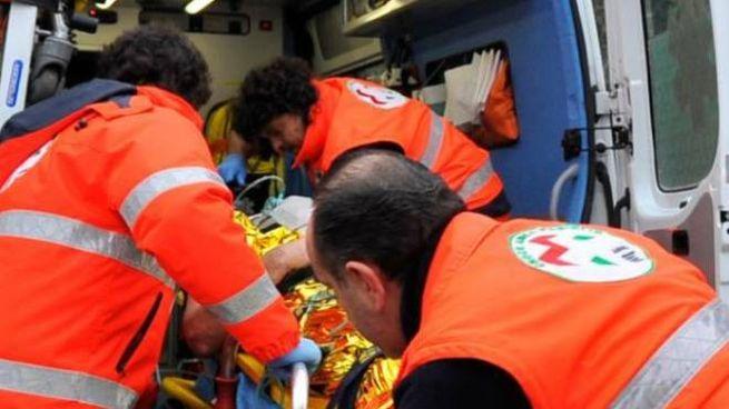 Il medico del 118 e i volontari della Pubblica Assistenza hanno tentato a lungo ogni manovra