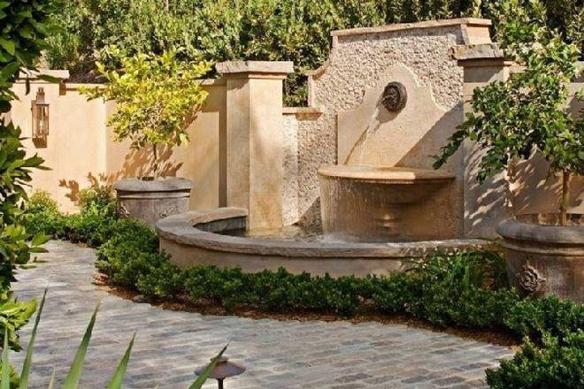 Fontane Da Muro Moderne.Come Costruire Una Fontana Da Giardino Laghi Giardino