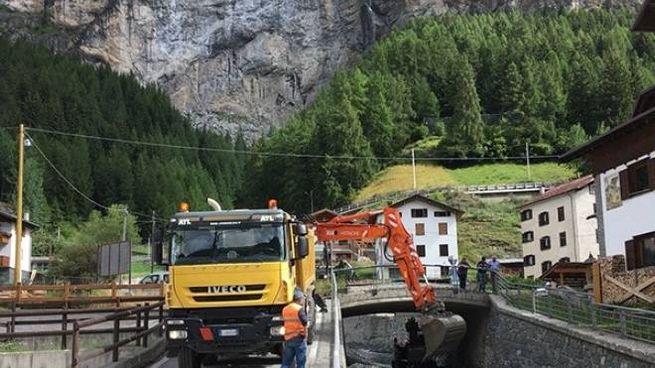 Lavori nei pressi dell'intersezione tra Rio Scianno e Torrente Viola