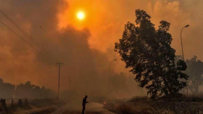 Incendio ad Atene (LaPresse)