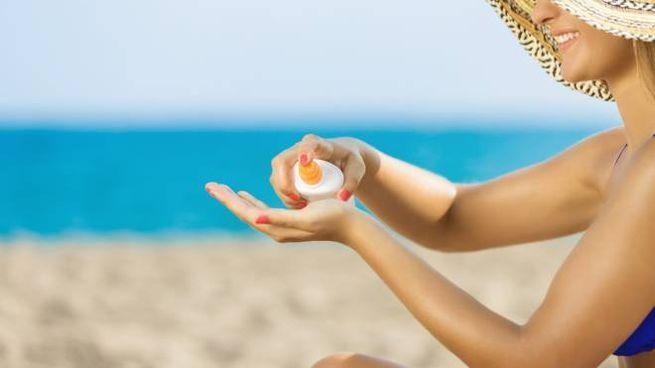 Meglio usare creme solari ad alta protezione - foto bymuratdeniz istock