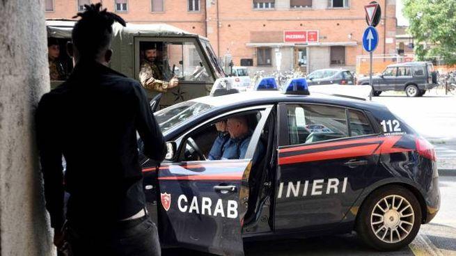I carabinieri e l'esercito sul posto