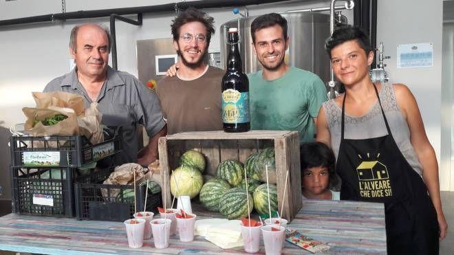 Da sinistra, i produttori  Marco Melani, Niccolò Fiaschi, Giulio Santanni e il gestore Ilaria Bartolini