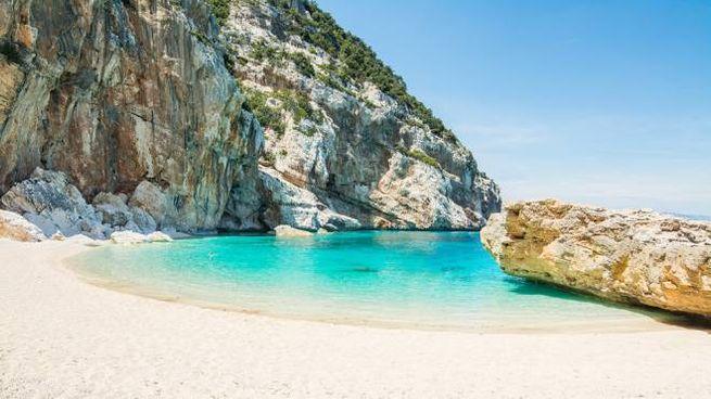 Cala Mariolu, premiata come terza spiaggia più bella del mondo - Foto: AlKane/iStock