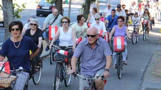 Un momento della pedalata 2017 dedicata al patrono San Cassiano