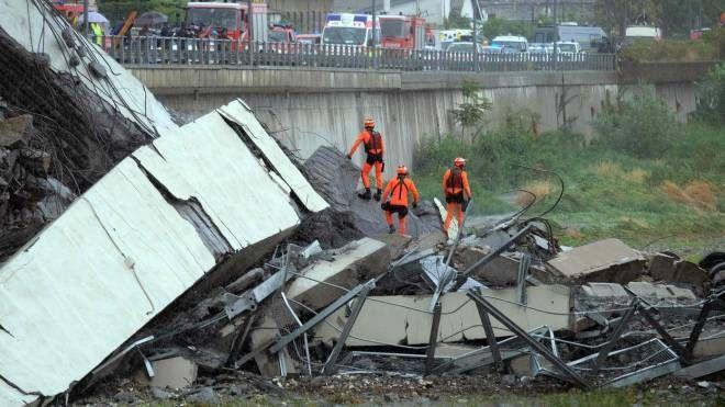 Ponte Morandi crollato a Genova (LaPresse)