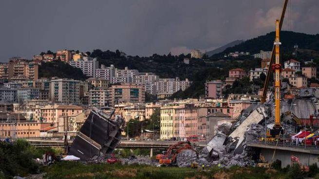 Le macerie del ponte Morandi a Genova (Lapresse)