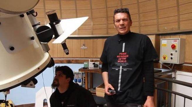 Gli astrofili della montagna pistoiese al lavoro col telescopio