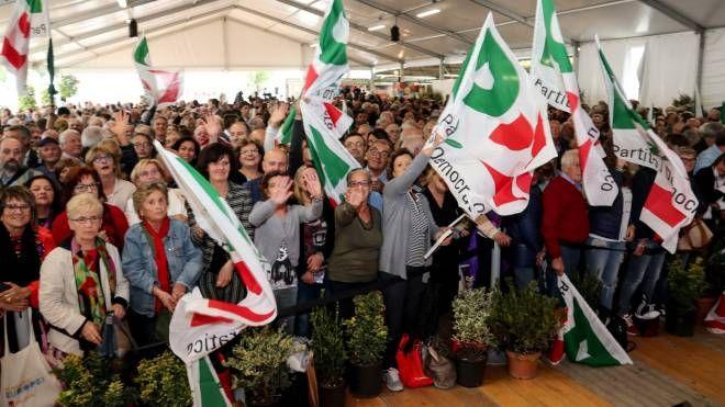 Bandiere al vento e folto pubblico per la Festa nazionale che si è tenuta nel 2017 sul Lungofiume