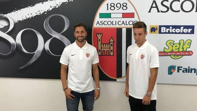 da sinistra il difensore Nahuel Valentini e il centrocampista Davide Frattesi