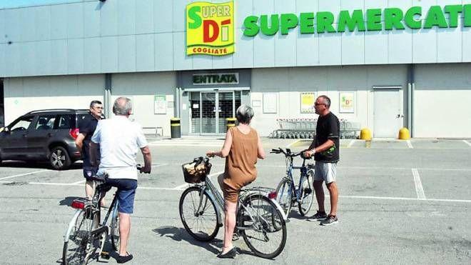 I punti vendita della catena SuperDì e IperDì hanno gli scaffali vuoti