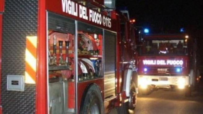 I pompieri sono accorsi subito nella discarica di via Belvedere