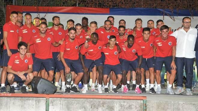 La prima squadra si è presentata ai tifosi