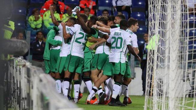 I giocatori del Sassuolo esultano dopo il 2-2 (Foto Ansa)