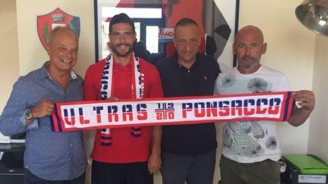 Nella foto, da sinistra: l'amministratore delegato Walter Buonfiglio, Cristian Brega, il presidente Massimo Donati e il diesse Andrea Luperini.
