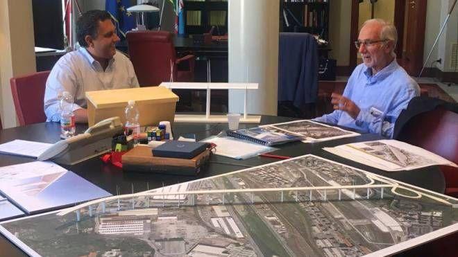 La foto postata da Giovanni Toti su Fb con Renzo Piano e il plastico del nuovo ponte