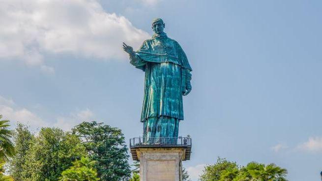 Il Colosso di San Carlo, la statua più alta d'Italia - Foto: faber1893/iStock
