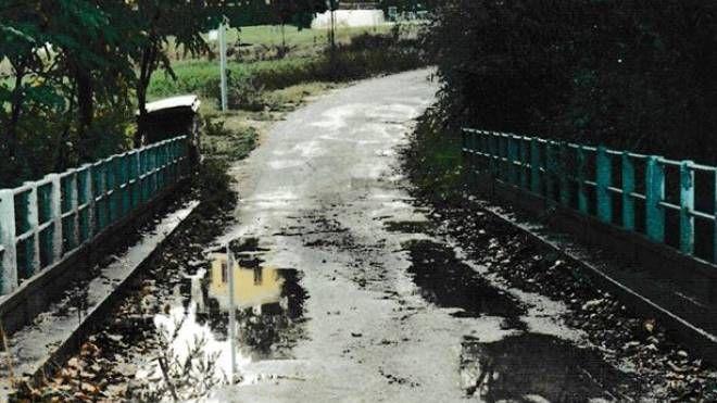 Il ponte Mimmo, al termine di via Belgatto, zona Trave, inaugurato nel 1981