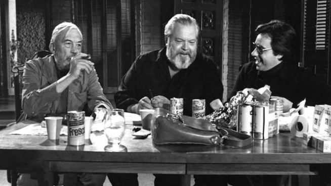Da sinistra: John Huston, Orson Welles, Peter Bogdanovich – Foto: Royal Road Entertainment