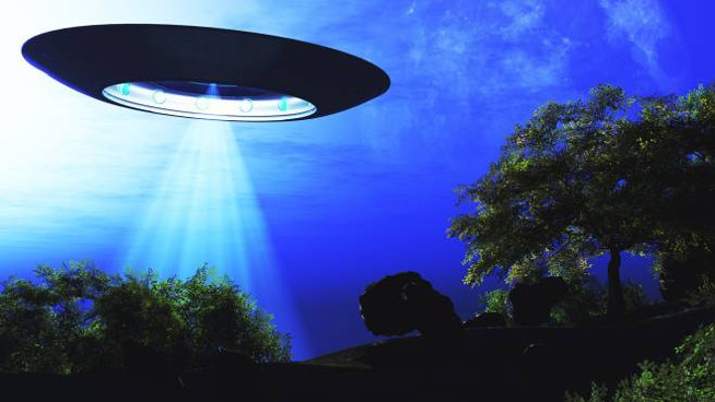 D46FYJ Ufo Flying on Earth at Night over Field