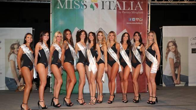 Il gruppo delle 11 finaliste che accederanno alla prefinale di Jesolo