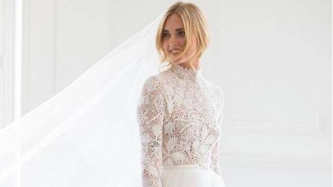 232b0ae2ce8e Chiara Ferragni con l abito da sposa (Instagram Dior Official)
