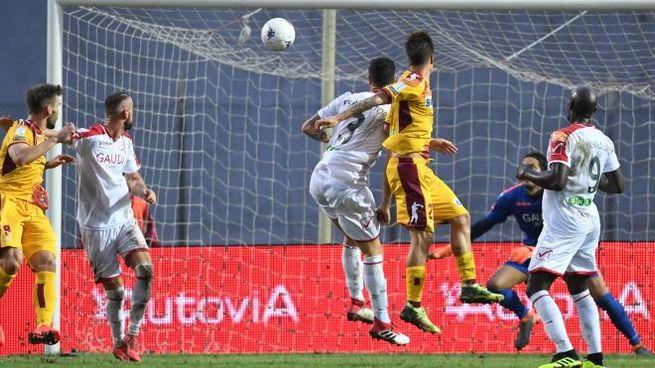 Il gol vittoria di Proia (Lapresse)