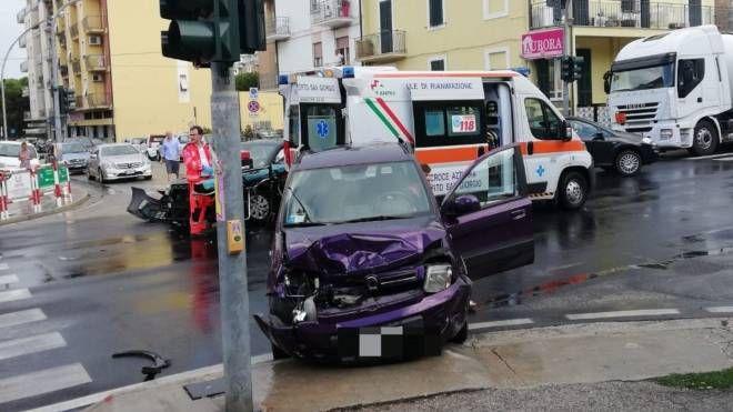 L'incidente tra le due auto