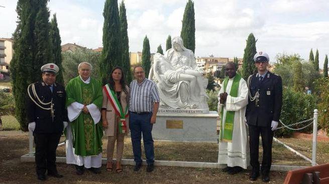 La cerimonia al cimitero comunale di Montespertoli