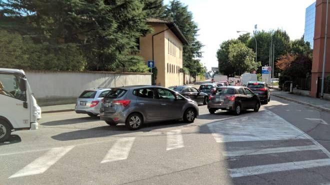Il traffico su viale Cadorna a Legnano