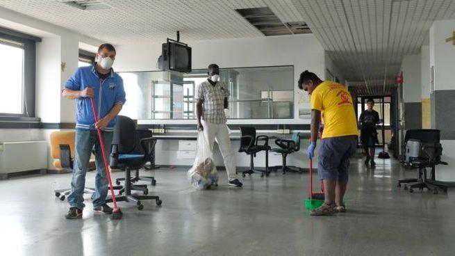 I lavori nello stabile occupato