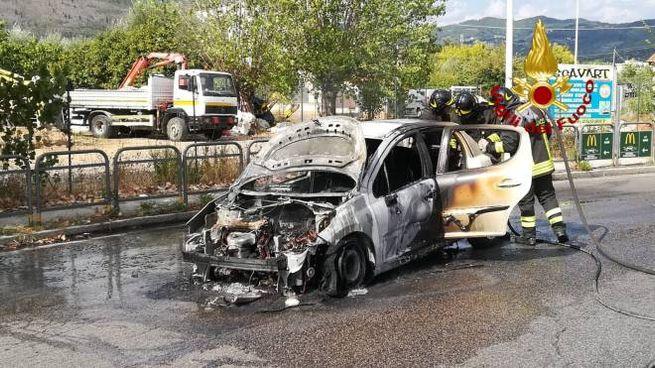 L'incendio dell'auto
