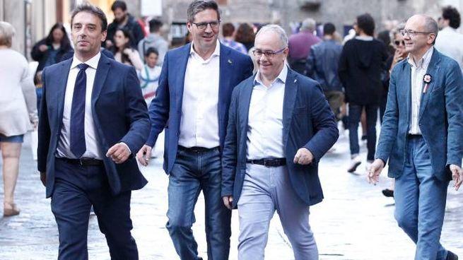 Alcuni priori si recano alla riunione (Foto Lazzeroni)